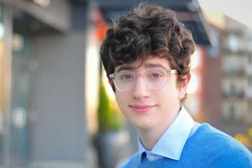 À 17 ans, il crée l'un des sites internet sur le coronavirus les plus populaires au monde
