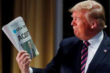 À un événement religieux, Donald Trump crie victoire... et vengeance