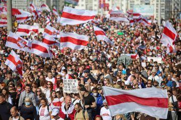 Des dizaines de milliers de manifestants au Bélarus et déjà près de 250 arrestations