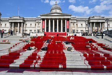 Des militants d'Extinction Rebellion en sang sur Trafalgar Square