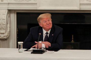Donald Trump assure prendre de l'hydroxychloroquine préventivement