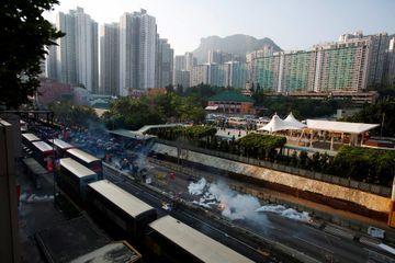 Guerre commerciale et manifestations plongent Hong Kong dans la récession