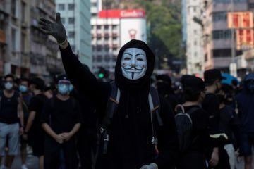 Hong Kong : les masques bientôt interdits dans les manifestations