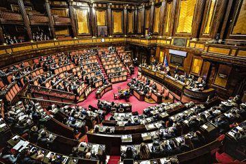 """Italie : tollé contre cinq députés bénéficiaires d'un """"Bonus Covid"""", destiné aux personnes précaires"""
