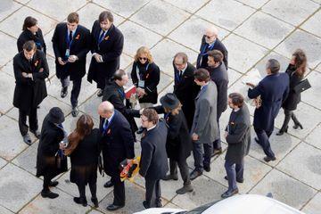 La famille Franco arrive au mausolée avant l'exhumation