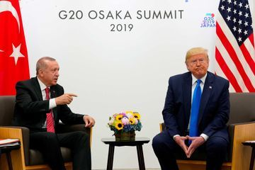"""Offensive turque en Syrie : Erdogan n'arrive """"plus à suivre"""" Trump"""