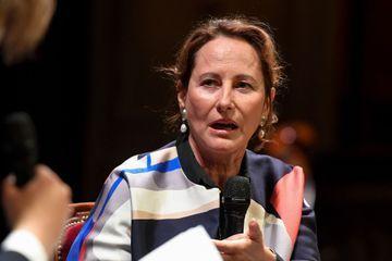 Dans le viseur de la justice, Ségolène Royal se défend sur Facebook