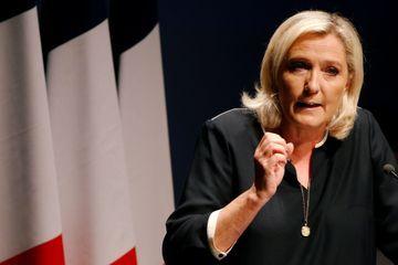 Débat sur l'immigration : Orphelin cède 5 minutes de temps de parole au RN, Le Pen accepte