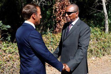 Emmanuel Macron et le président guinéen Alpha Condé, à Boulouris-sur-Mer.