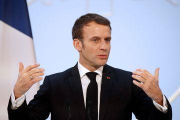 La popularité d'Emmanuel Macron marque un recul