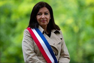 Municipales à Paris : Anne Hidalgo largement en tête