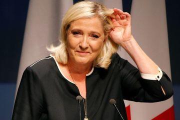 """""""Si personne n'émerge"""" pour 2022, """"moi je suis là"""", dit Marine Le Pen"""