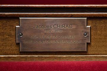 Une plaque dévoilée en présence de Claude Chirac : l'Assemblée Nationale honore Jacques Chirac