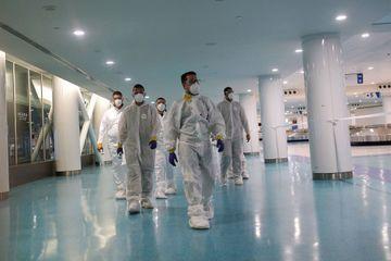 Selon une étude, le nouveau coronavirus pourrait survivre plusieurs heures à l'air libre