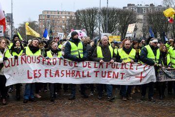 """Lille : dix personnes interpellées lors d'une manifestation de """"gilets jaunes"""""""
