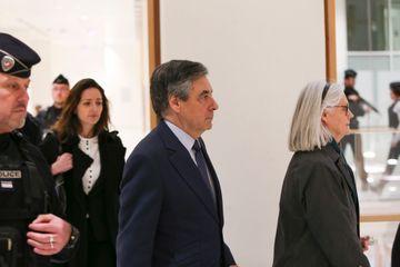 Témoignages surprises au procès de Penelope et François Fillon