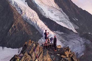 Un Britannique emmène son rameur au sommet du Mont-Blanc et l'abandonne à 4.362 mètres
