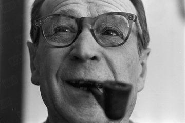 """Dans les archives de Match - Quand Simenon avait """"tué"""" le commissaire Maigret"""