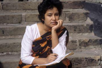 Dans les archives de Match - En 1994, Taslima Nasreen visée par une fatwa