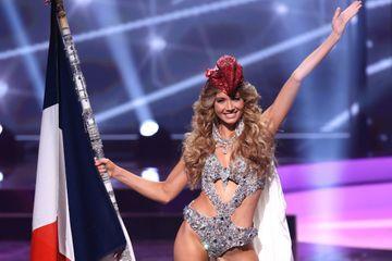 Amandine Petit, Marianne scintillante à Miss Univers