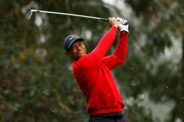 """Blessé aux jambes dans un grave accident, Tiger Woods a """"de la chance d'être en vie"""""""