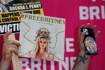 Britney Spears demande officiellement que la tutelle soit retirée à son père