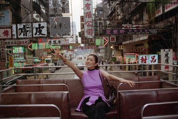 Dans les archives de Match - Il y a 20 ans, une promenade dans Hong-Kong avec Gong Li