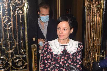Lily Allen et David Harbour, déconfinés à Londres