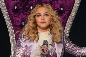 Madonna pose avec ses six enfants sur des images rares
