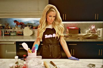 Paris Hilton passe à la casserole