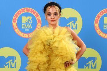 Rita Ora provoque un tollé après avoir fait la fête en plein confinement