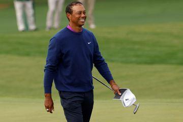 """Tiger Woods """"se rétablit"""" après son accident de voiture"""