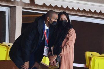 Tony Parker et Alizé Lim complices en tribunes à Monaco