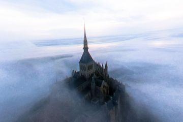 """Le Mont-Saint-Michel, survolez la """"Merveille"""" comme un oiseau"""