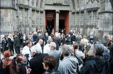 Des milliers de personnes aux obsèques de François Michelin