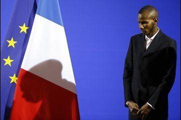 Lassana, le héros de l'HyperCacher, naturalisé français