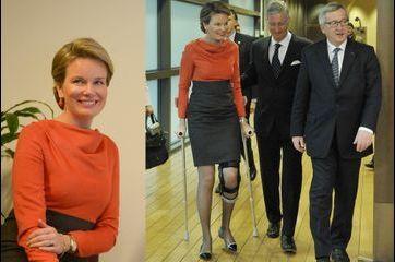 Mathilde entre à cloche-pied au Parlement européen