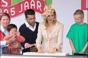 Maxima laisse ses empreintes à Zoetermeer