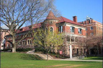 Les 20 universités qui forment le plus de milliardaires