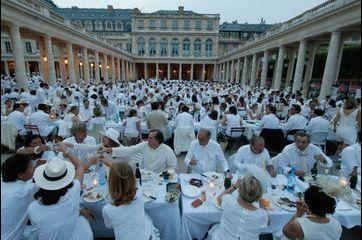 Les chics dîneurs attablés au Palais Royal