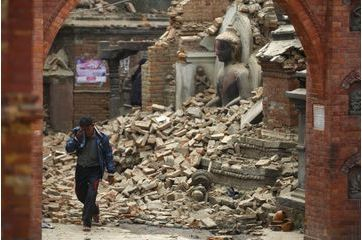Népal. Les temples réduits en miettes
