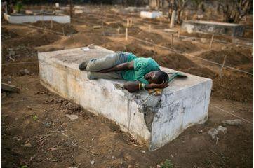 Freetown, une ville dévastée par Ebola