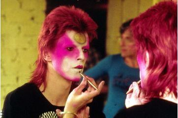 David Bowie. Ses looks les plus extravagants
