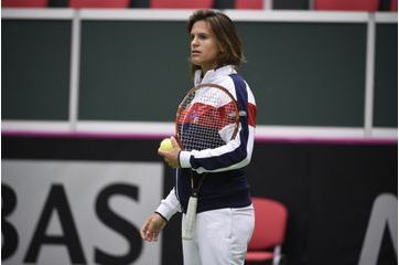 Future maman épanouie au Fed Cup