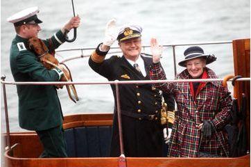 Margrethe embarque Henrik et leurs teckels sur son yacht