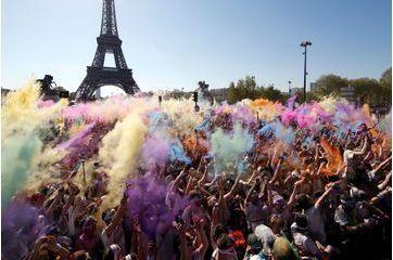 Paris en voit de toutes les couleurs