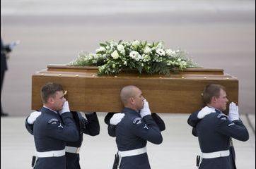Les corps des victimes britanniques rapatriés