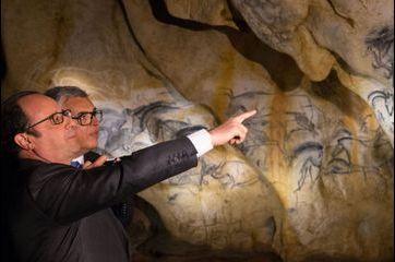 Le président Hollande découvre la grotte Chauvet