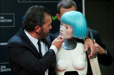 Antonio Banderas amoureux des robots