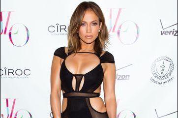 Jennifer Lopez opte pour une robe osée